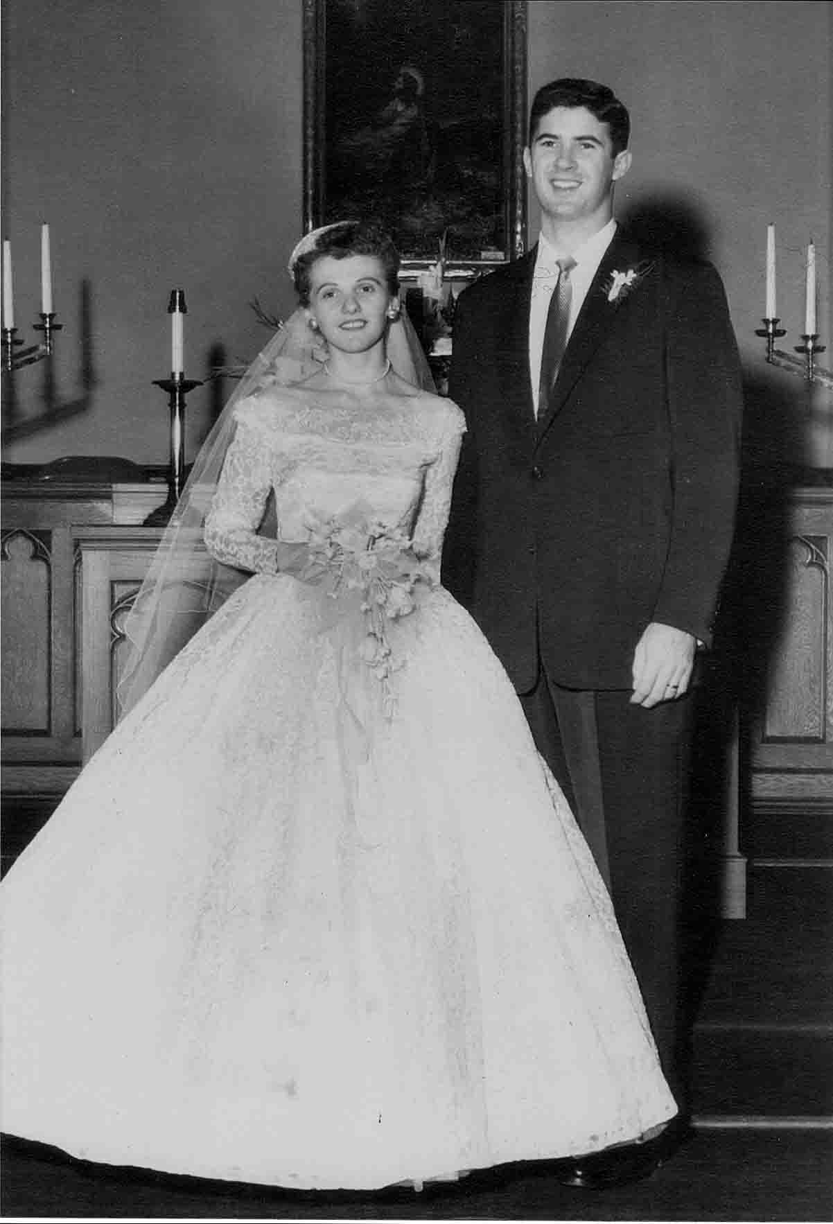 mom and dad wedding pic 1955